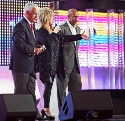Пугачева, Киркоров и Крутой подрались (+ ФОТО) / Музичні ...: http://www.fm-tv.com.ua/muz_news/13956/view/