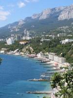 В окупований Крим зібралась група євродепутатів від Франції
