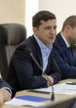 Право купувати землю матимуть лише українці - Зеленський
