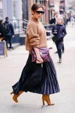 Вікторія Бекхем показала стильний образ у Парижі