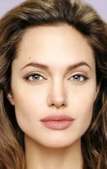 Джолі виступить у ролі режисера фільму про воєнного фотографа
