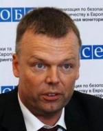 Мир на Донбасі мають забезпечити політики, а не військові