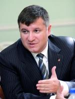 Аваков звинуватив штаби кандидатів у розпалюванні ненависті