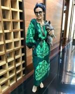 Демі Мур вдягла вишиванку з глибоким декольте від українського дизайнера