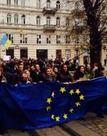У Львові 10 тисяч студентів зірвали пари через євромітинг (фото, відео)