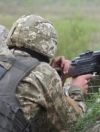 На Донбасі поранили трьох українських військових