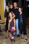 Демі Мур та Брюс Вілліс проводять карантин разом із дітьми