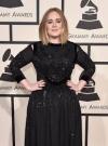 Струнка Адель приміряла сукню, яку вдягала до схуднення