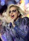 Леді Гага оголила груди та зачарувала ніжними образами