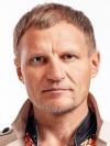 Гостей онлайн-вечорниць Олег Скрипка пригощав власною маркою вина
