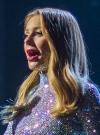 Підписники Тіни Кароль зраділи новому стильному фото й потонули в очах співачки