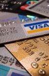 Сферу торгівлі зобов'яжуть приймати безготівкові платежі