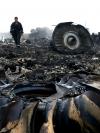 Катастрофа MH17: Родичі жертв протестували під посольством РФ у Нідерландах