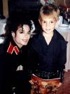 Скандал з Майклом Джексоном продовжується