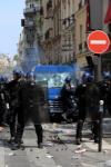 Першотравневі сутички в Парижі: 380 затримань, 38 поранених (фото)